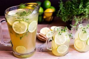 Охлажденный чай с лимоном